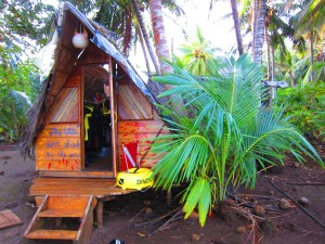 Little dive shack by the sea on little corn island