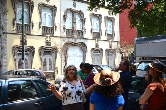 Guide Salimah Cossens shows us around beautiful Colonia Roma. Photo by Keith Hajovsky.